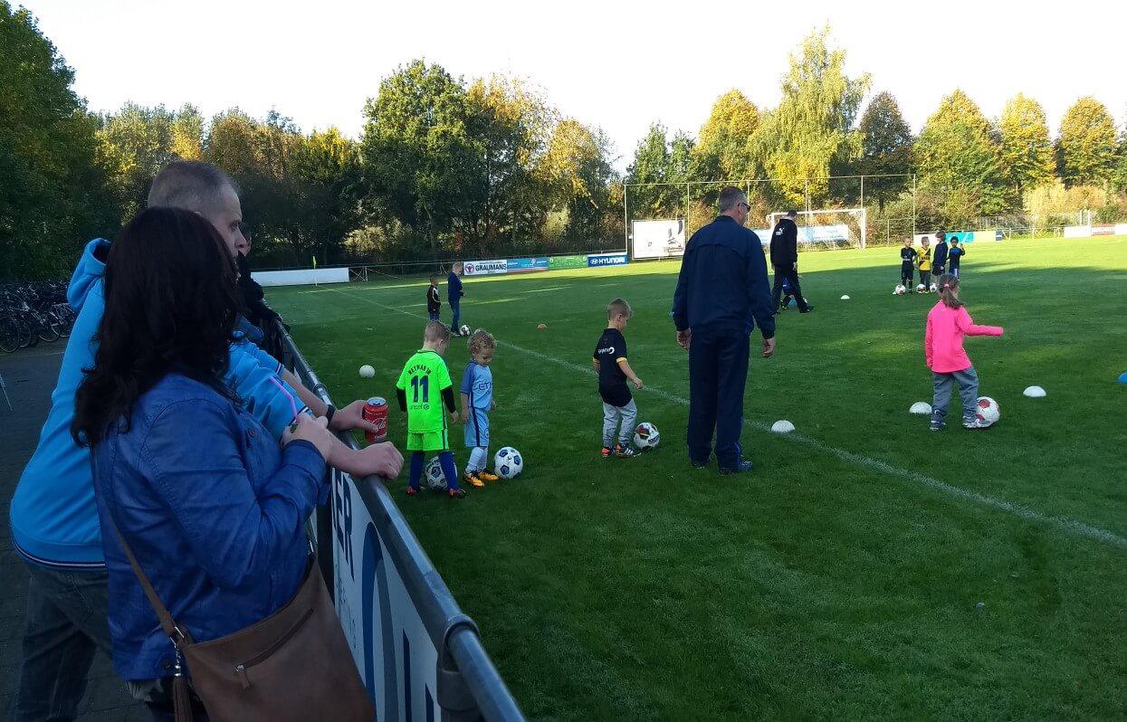 Kabouter-voetbal bij SAB
